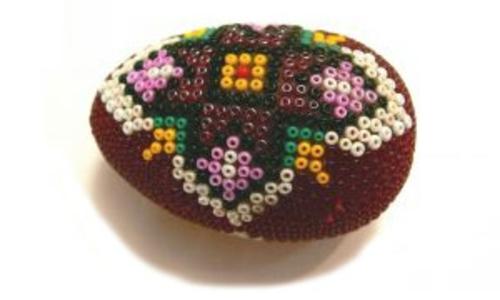 Ostereier Perlen verziert originell dunkel