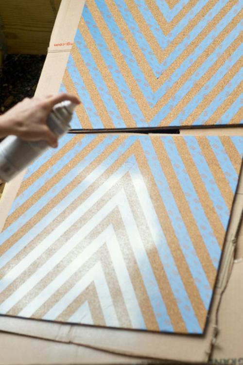 Pinnwand selber machen wandgestaltung besprühen