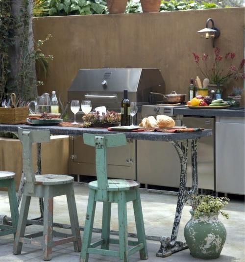 Praktische Küche  Garten gestalten holz stühle lehnen