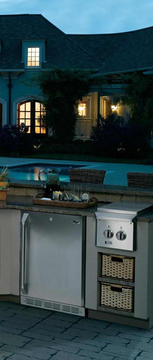 Praktische Küche Garten gestalten modern glanzvoll