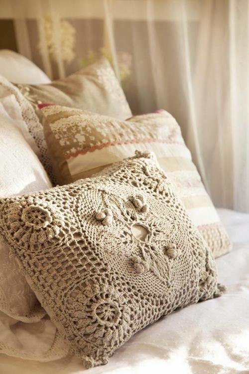 Romantik im Schlafzimmer zum Valentinstag kissen stoff
