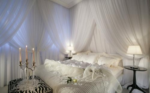 Romantik  Schlafzimmer zum Valentinstag weiß luftig