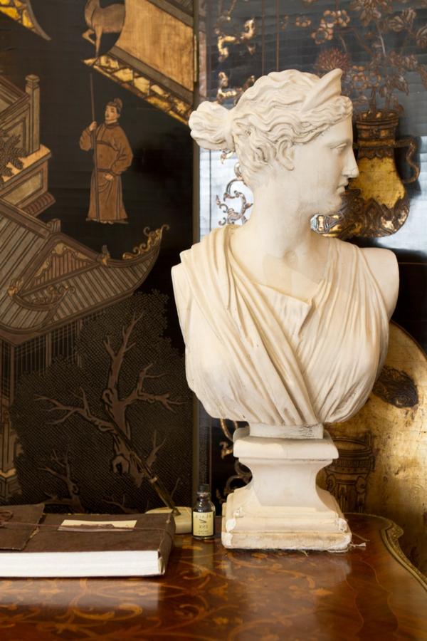 Romantische Deko zum Valentinstag standbild antik