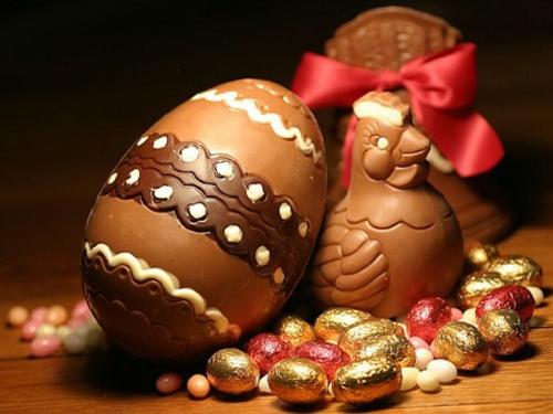 Rote Ostereier  schokolade hühner süß