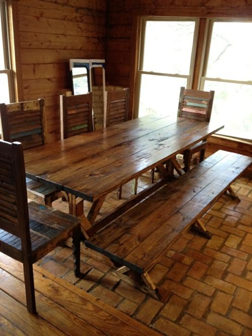 Esstische im Landhausstil hell holz stühle sitzbank ländlich