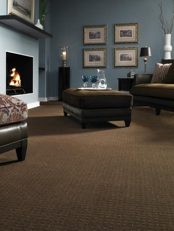 Teppich im Wohnzimmer braun blau weiß