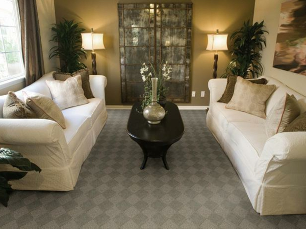 Teppich im Wohnzimmer symmetrisch sofas couchtisch