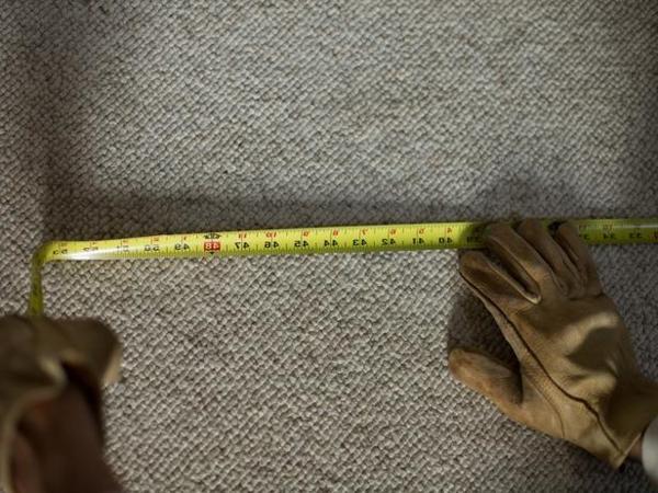 Teppichboden entfernen materialien handschuhe