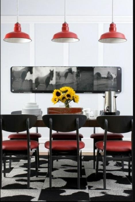 Teppichfliesen mit Stil anordnen lampenschirme rot bodenbelag