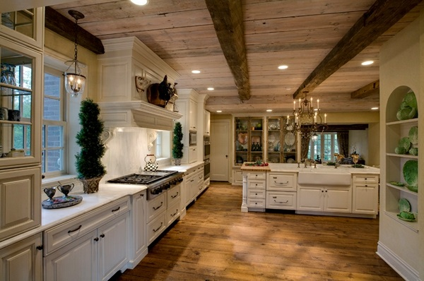 weiße Landhausküche holz bodenbelag