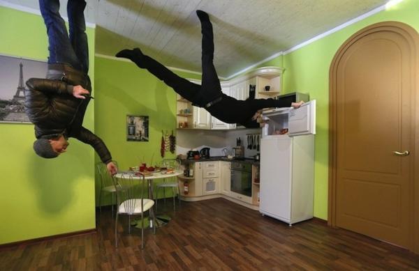 Umgedrehtes Haus In Russland Küche Zimmerdecke Holz