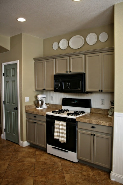 wandteller deko tolle wandgestaltung in der k che. Black Bedroom Furniture Sets. Home Design Ideas