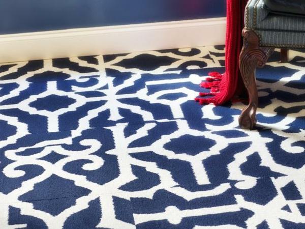 Teppiche fürs Wohnzimmer blau teppichfliesen weiß blau