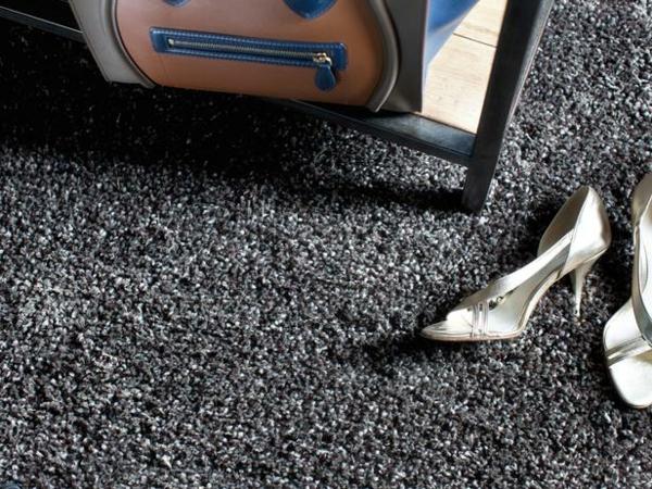 Weiche Teppiche fürs Wohnzimmer grau