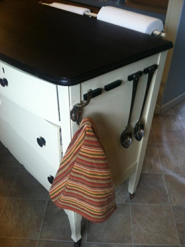 Kommode als Küchenblock küchentuch aufhänger