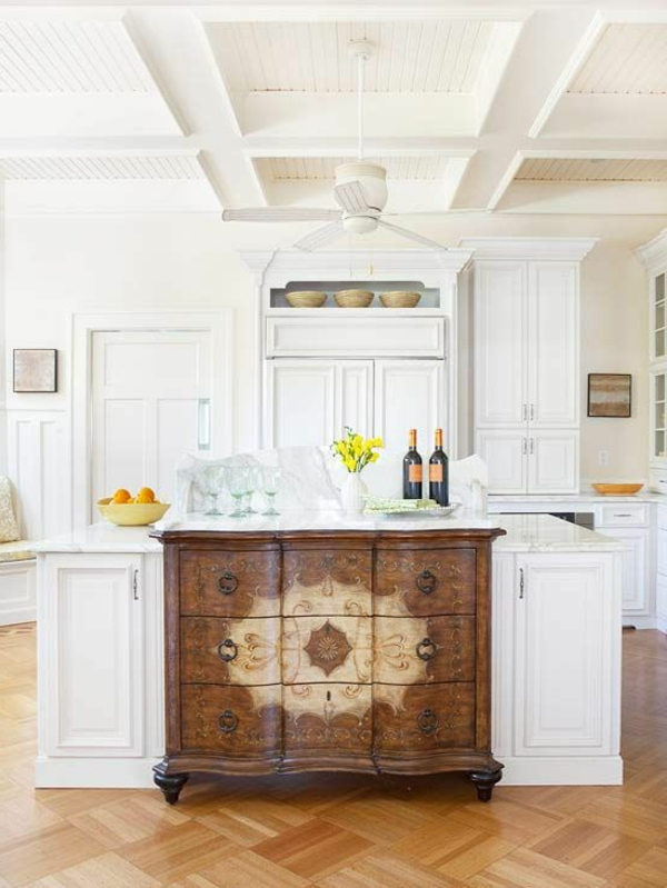 Kommode als Küchenblock klassisch ornamente motive