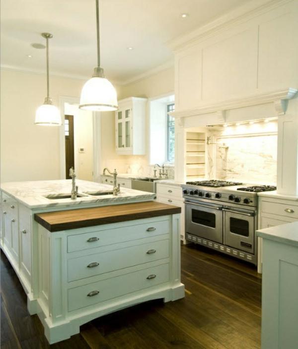 alte Kommode als Küchenblock schubladen hängelampen