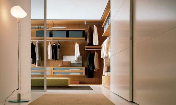Offener kleiderschrank stange  Begehbarer Kleiderschrank für eine stilvolle Kleideraufbewahrung