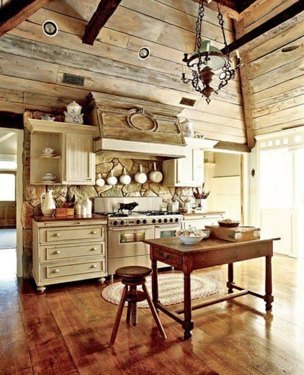 dachgeschoss hoch zimmerdecke holz kommode küche