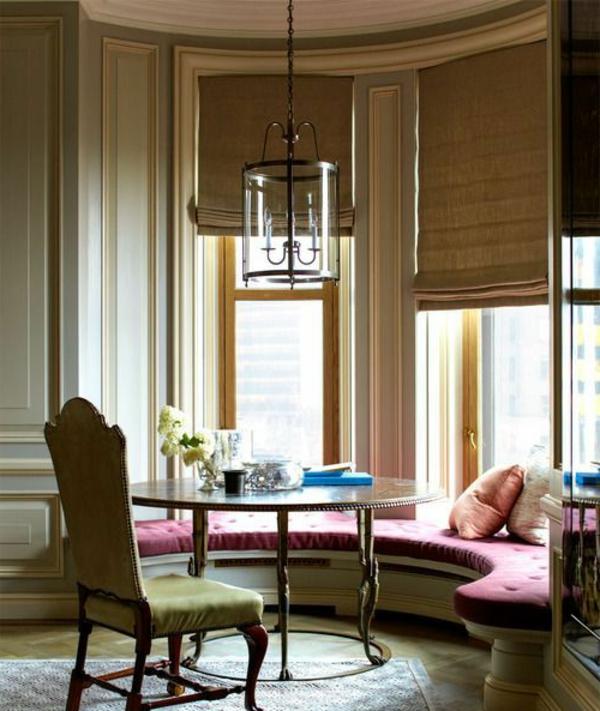 essecke gestalten minzgrüner stuhl magenta gepolsterte runde couch