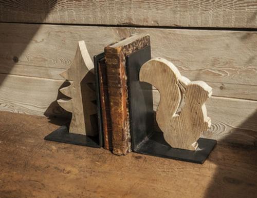 Bücherstützen abenteur holz geschnitzt zuverlässig