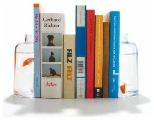 Bücherstützen glas wasser fische originell