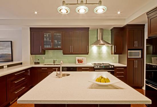 farben für küchenwände ideen grün fliesenspiegel holz kontrast