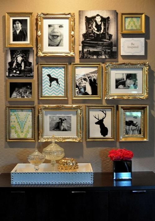 fotowand gestalten idee wohnen familie golden  bilderrahmen