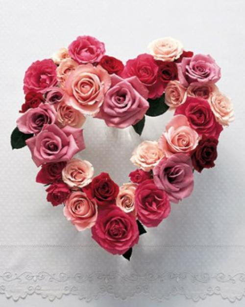 frische DIY Ideen zum Valentinstag blüten rosen herz kranz