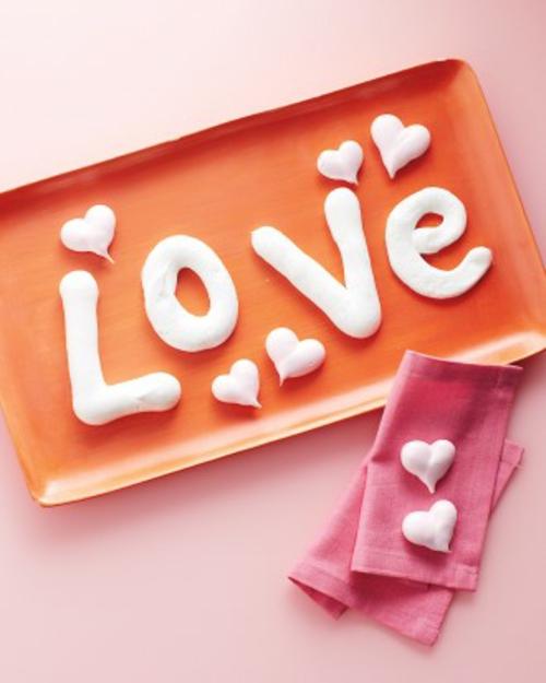 frische DIY Ideen zum Valentinstag liebe buchstaben herzen
