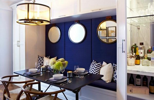 gemütliche essecke runde spiegel schwarzer tisch