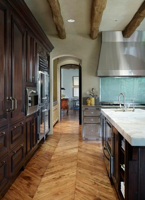 holzboden in der k che 18 stilvolle designs f r jeden geschmack. Black Bedroom Furniture Sets. Home Design Ideas