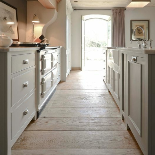 Holzboden In Der Küche Robuste Holzdielen