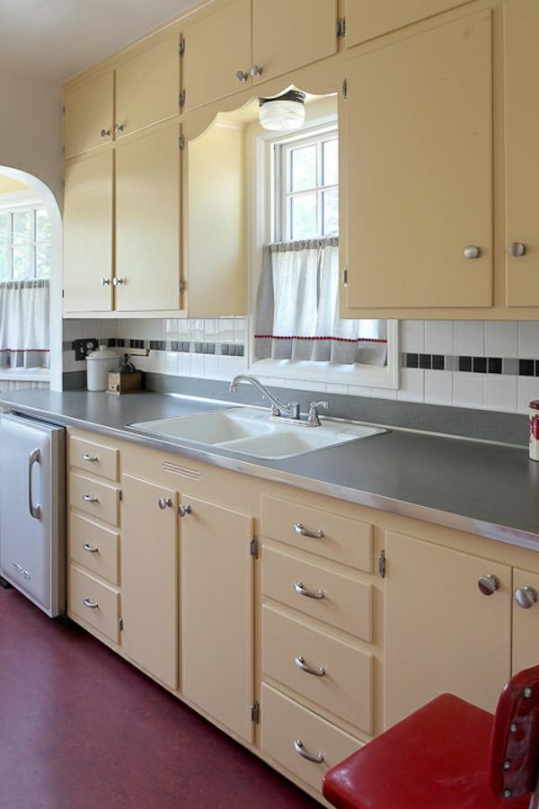 küchengardinen cremegelbe küchenschränke