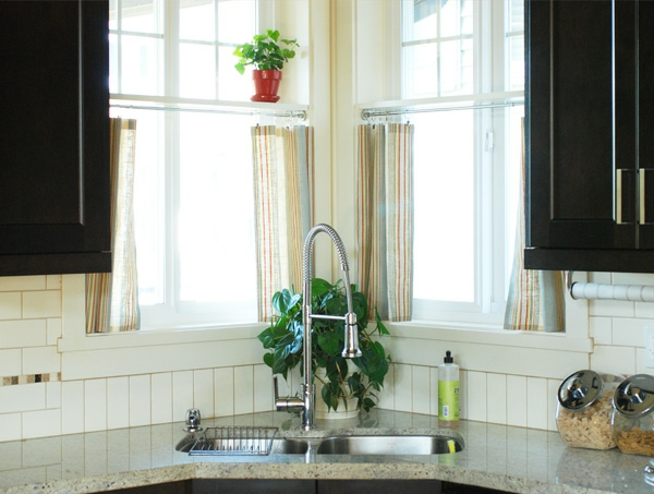 küchengardinen granit arbeitsplatte eckspüle