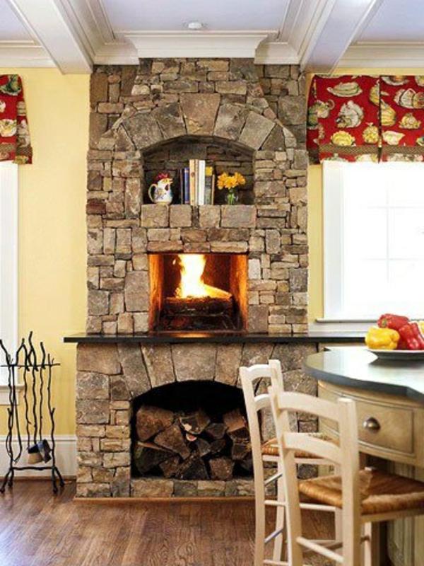 küchenkamin steine brennholz eingebautes regal