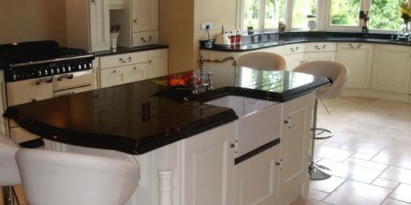 küchentrends 2014 granit scharz kücheninsel