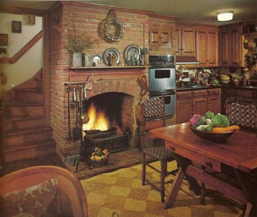 kamin küche einbauen backstein ziegel teller