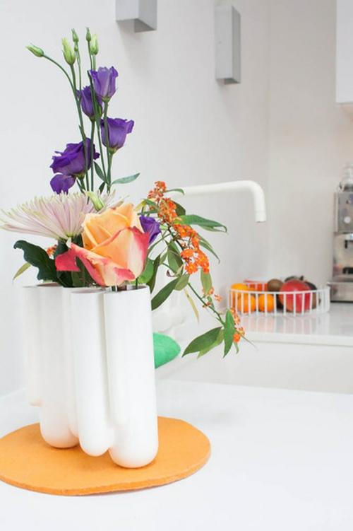 kreative einrichtungsideen ovale weiße vase
