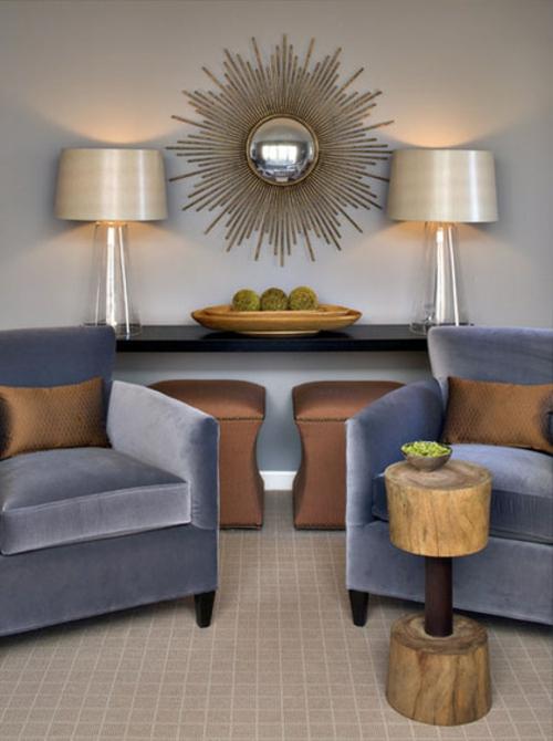 luxusinterieur wohnbereich samtige sessel naturholz