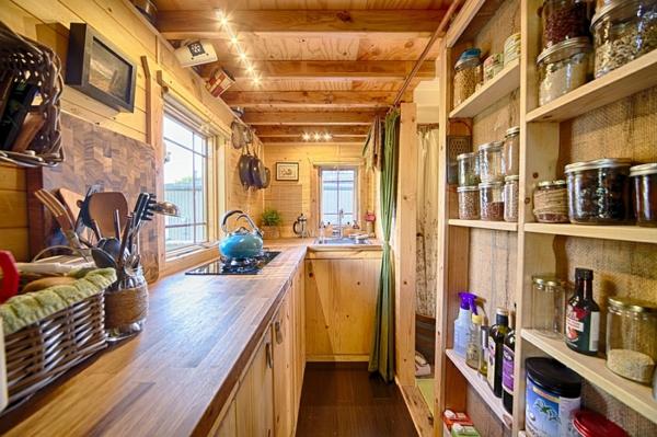 mobiles haus küche wandregale