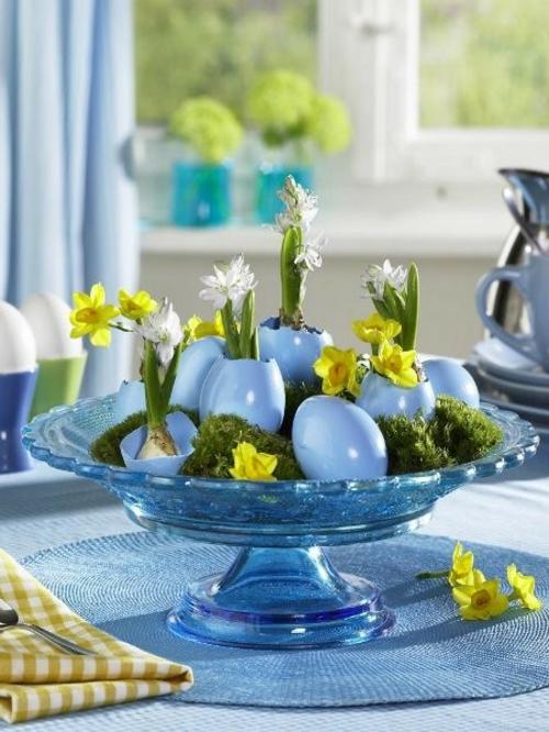 osterdeko basteln blaue eierschalen narzissen hiazynthe