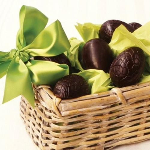 ostereier aus schokolade dunkel grüne schleifen