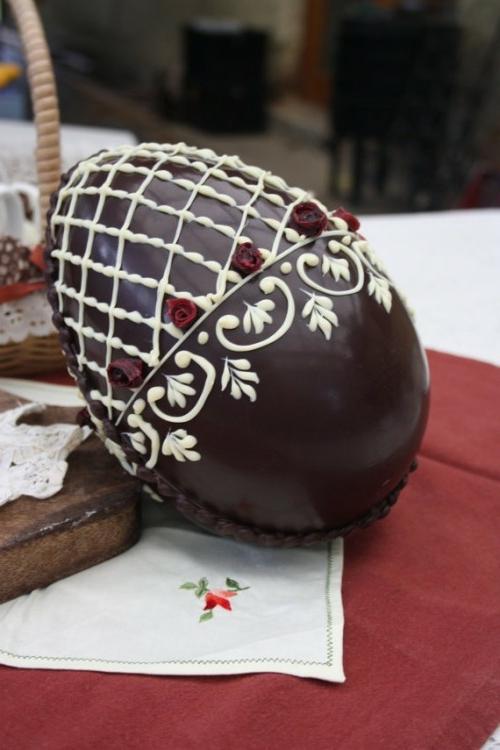 oster eier aus schokolade fein verziert rosen