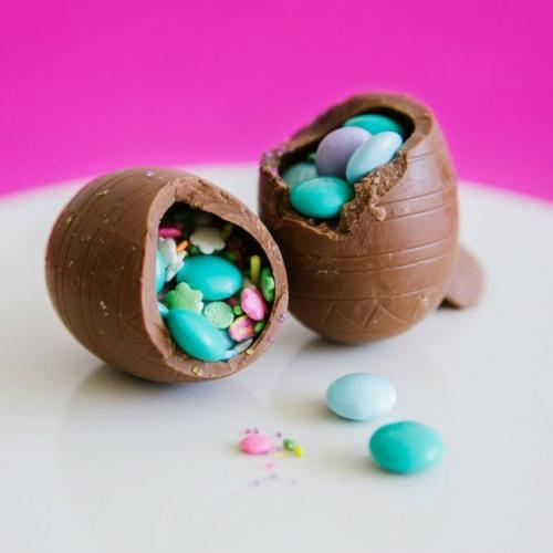oster eier aus schokolade voll bonbons