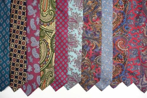 ostereier deko seiden krawatten