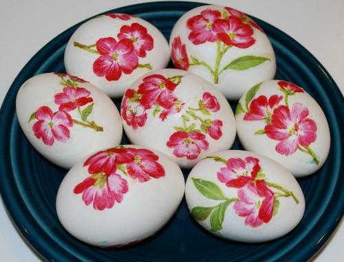 ostereier mit serviettentechnik frühlingszweige rosa