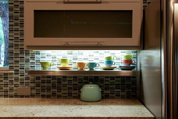 retro-küche küchenrückwandoffenes regal kaffeebecher