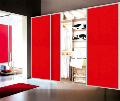 schön designten Kleiderschrank rot oberfläche gleittüren