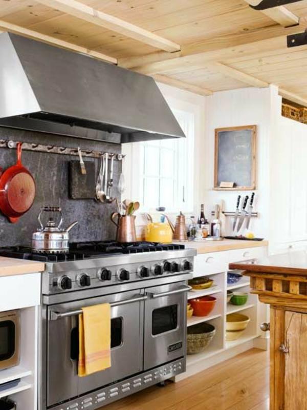 schreibtafel küche massiv holz rustikal möbel regale schalen